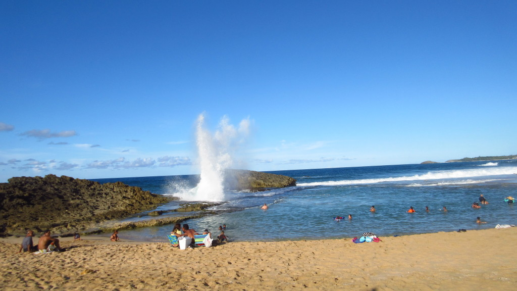 splash-beach-arecibo-lighthouse-area